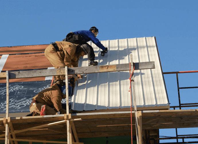 Кроем крышу дома своими руками пошагово